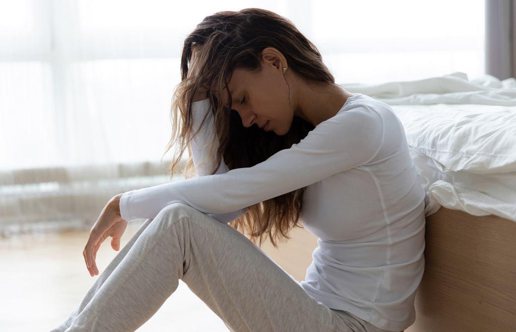 Smutna kobieta, zdjęcie ilustracyjne