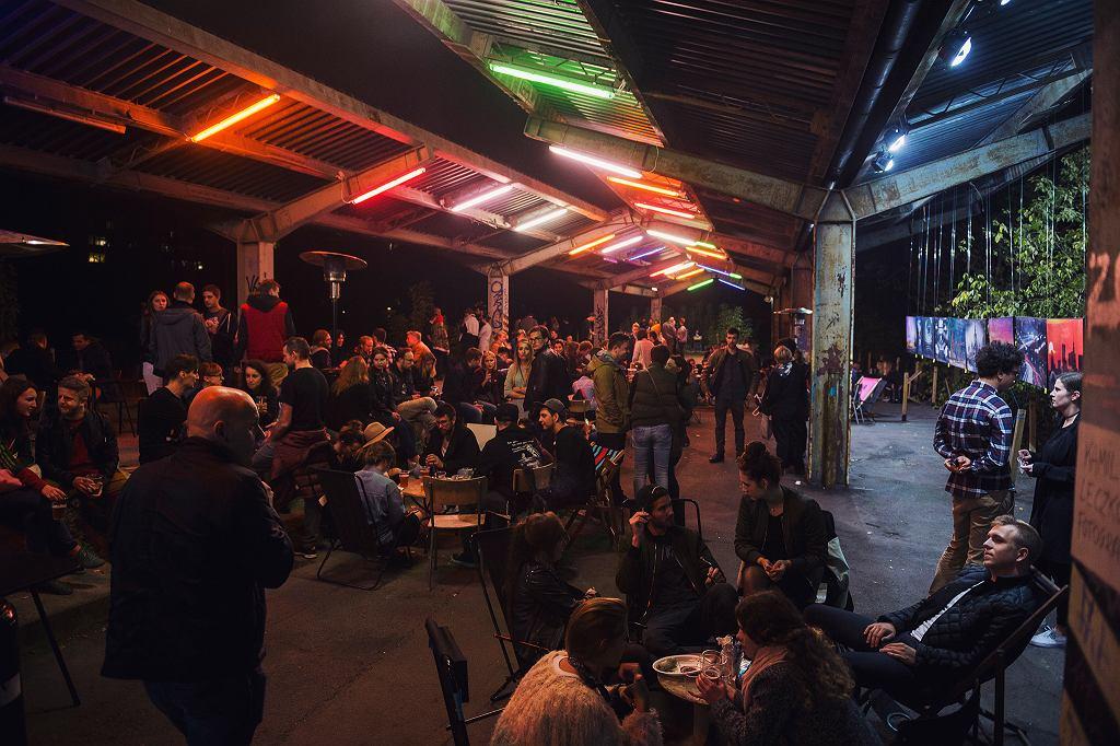 Nocny Market / Mirek Kaźmierczak