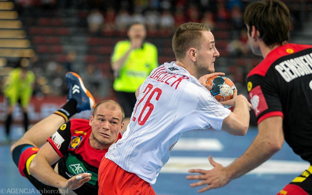 Mecz piłki ręcznej Polska - Niemcy w Gliwicach w ramach eliminacji do mistrzostw Europy 2020. W biało-czerwonym trykocie Michał Daszek
