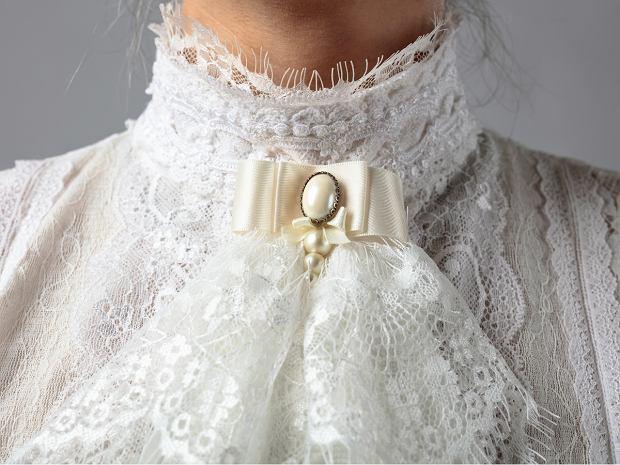 Bluzka ze stójką vintage