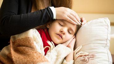 Angina ropna to choroba, która wymaga przede wszystkim kuracji antybiotykowej