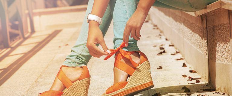 Kobiece i bardzo wygodne buty na koturnie. Niewysokie modele w niskiej cenie!