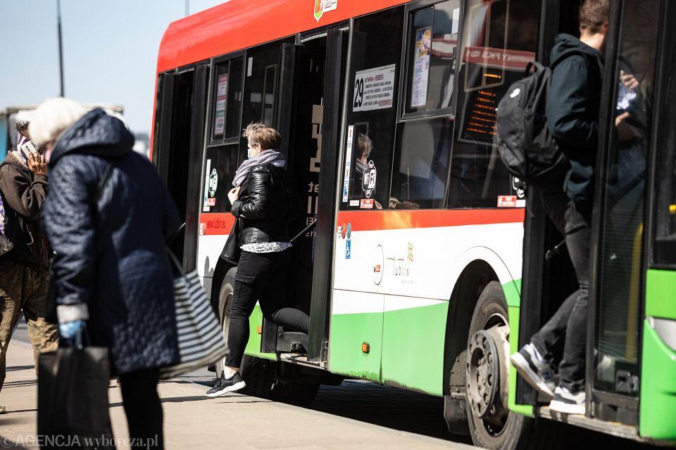 Zdjęcie numer 7 w galerii - Transport nad przepaścią. Tylko szybkie działania uratują resztkę połączeń poza miastami