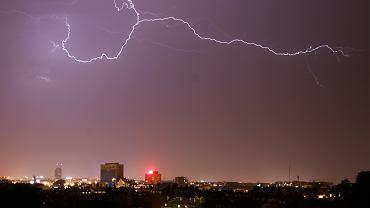 IMGW wydał ostrzeżenia meteorologiczne I stopnia przed burzami (zdjęcie ilustracyjne)