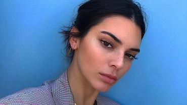 Makijażystka gwiazd zdradza sposób na odświeżenie makijażu w ciągu dnia. Jest banalnie prosty