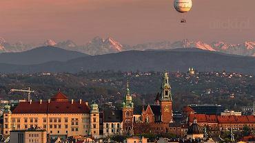 Wawel i ośnieżone Tatry