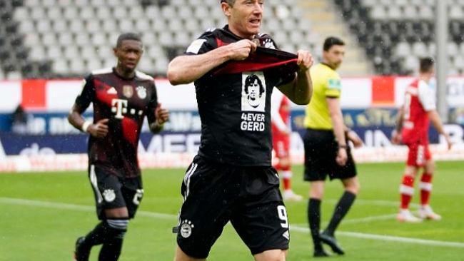Lewandowski był traktowany przez kolegów aż do granic absurdu. Pobicie rekordu nie było mu pisane