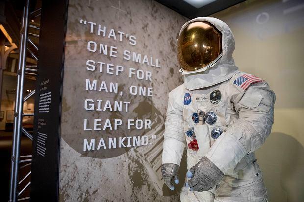 Kombinezon Neila Armstronga używany przez niego podczas misji Apollo 11