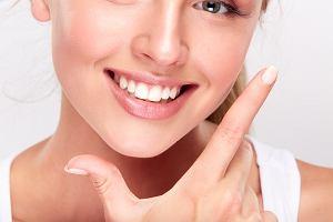 Paski wybielające zęby - czy warto i jak je stosować?