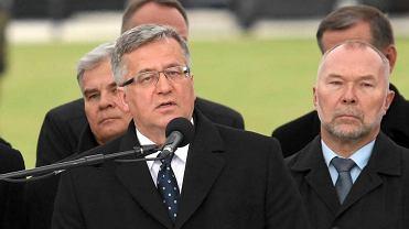 Prezydent Bronisław Komorowski  podczas obchodów 75 rocznicy zbrodni katyńskiej przed Grobem Nieznanego Żołnierza