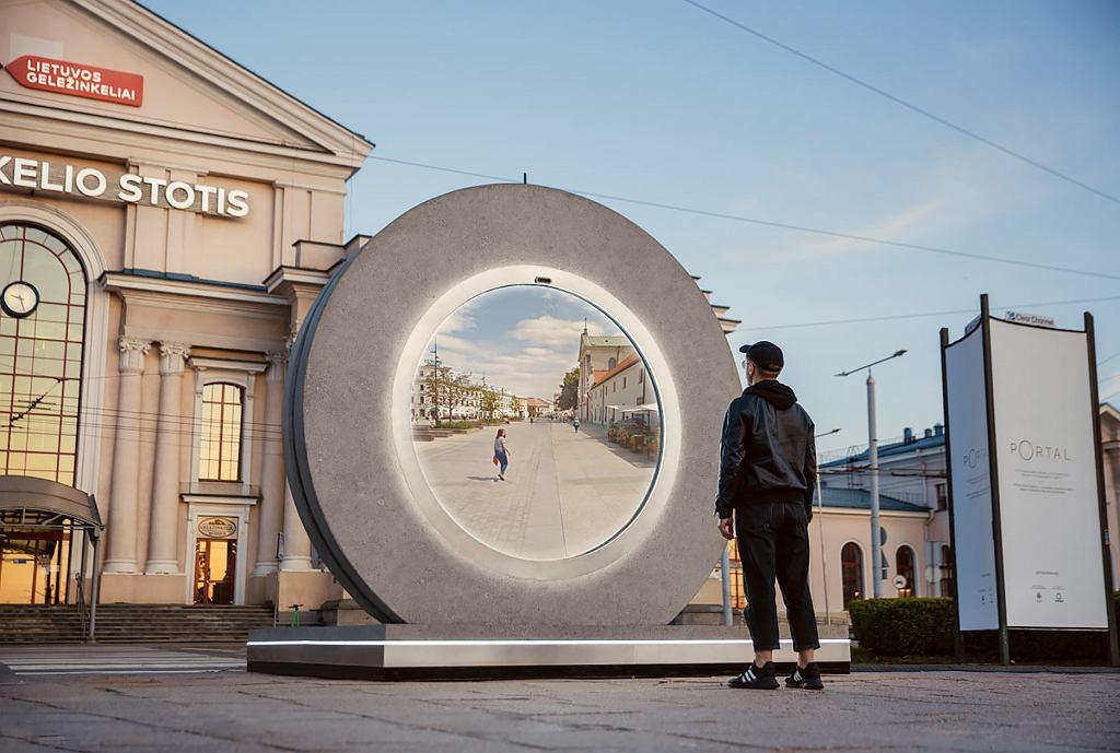 PORTAL, interaktywna instalacja artystyczna