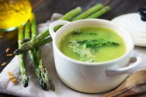 Szybki obiad z niczego? Zupa z 5 składników: masz je w kuchni i nie spodziewasz się, że tak dobrze smakuje