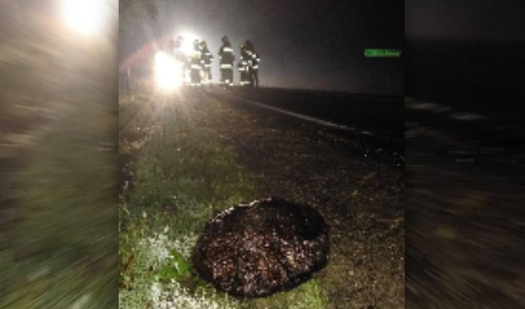 Kamień na drodze w gm. Golina