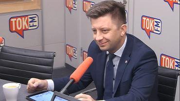 Michał Dworczyk w studiu TOK FM.