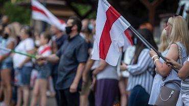 Białystok. Kolejny dzień protestów pod konsulatem Białorusi