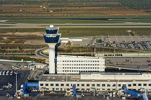 Na tych lotniskach spodziewaj się największych opóźnień. Warszawa wysoko w rankingu