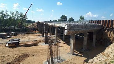 Rozbudowa wiaduktu na budowanej autostradzie A1 (odcinek realizacyjny B)