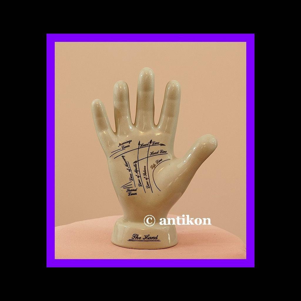 porcelanowa dłoń wróżbity