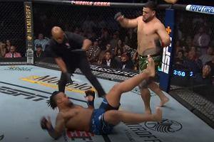 Szalona wymiana ciosów w UFC! A potem Tuivasa zaczął... pić z buta! [WIDEO]