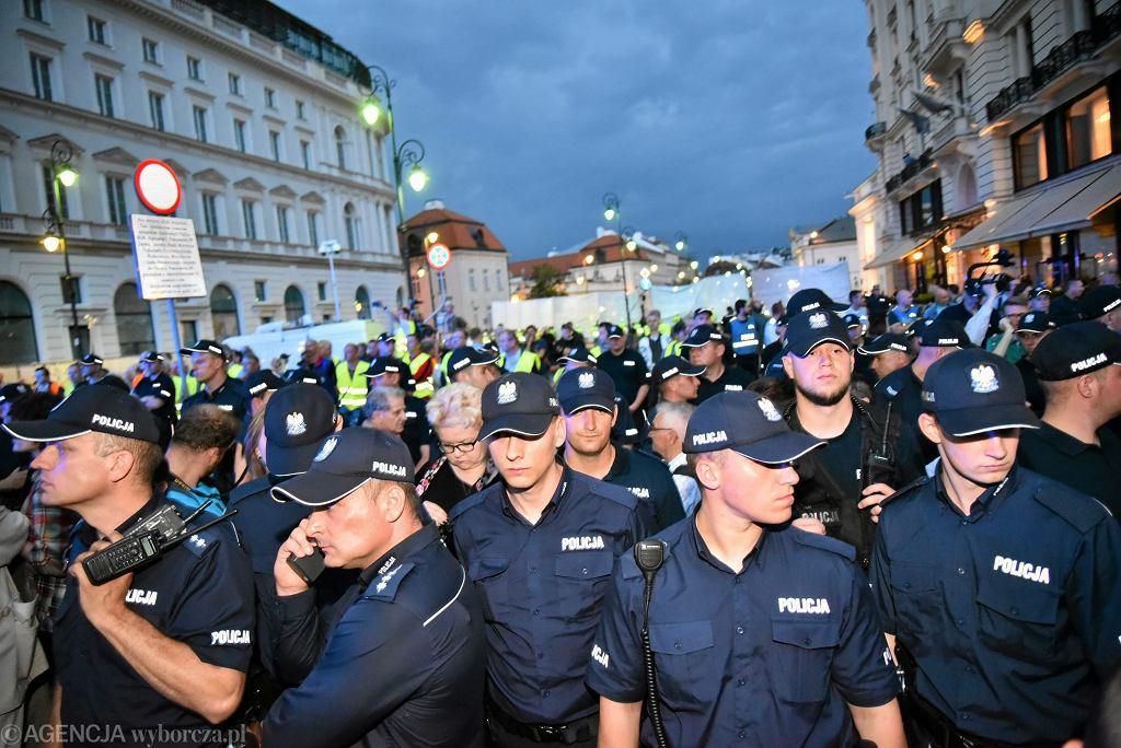 87. miesięcznica smolenska w Warszawie