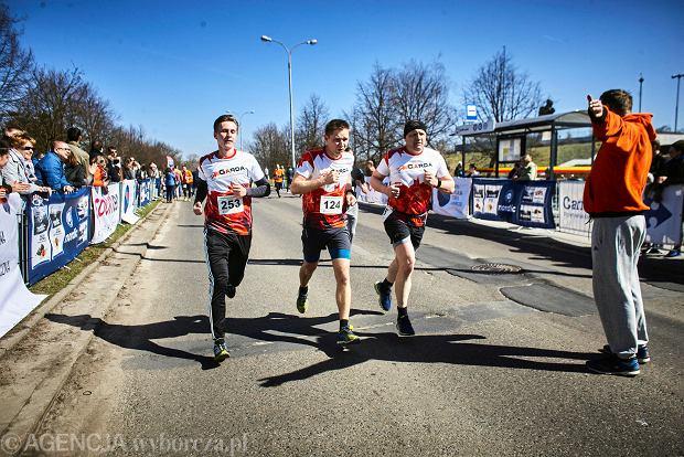 Zdjęcie numer 18 w galerii - Otwarcie sezonu biegowego w Łodzi.