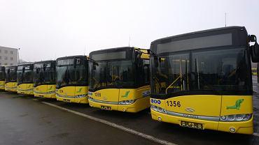 PKM Katowice zaprezentował we wtorek nowe solarisy. Za trzydzieści pojazdów firma zapłaciła około 30 mln zł
