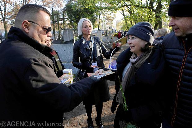 Zdjęcie numer 48 w galerii - Rekordowa kwesta. Na cmentarzu św. Jerzego w Toruniu udało się zebrać 23,5 tys. zł