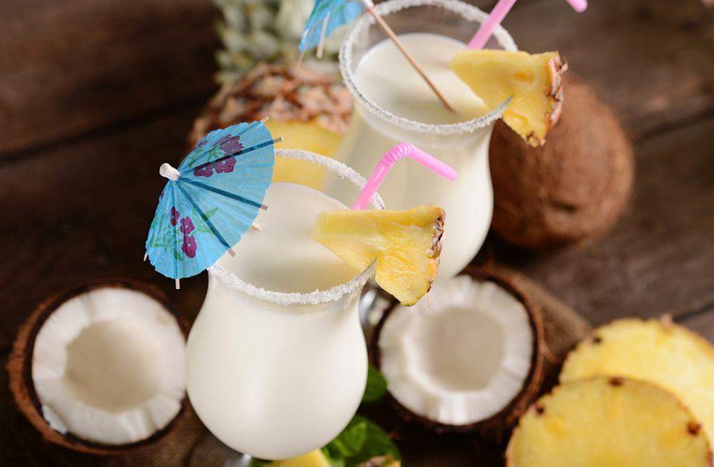 Malibu to likier kokosowy na bazie rumu. Jakie są drinki z Malibu?