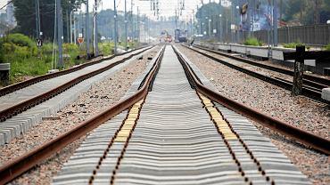 Remont torów kolejowych.