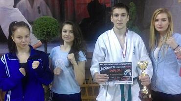 Olsztynianie podczas XXVI mistrzostw Polski młodzieżowców w karate kyokushin w Radzyminie