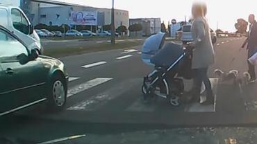 """Kierowcy zasypują policję nagraniami z kamerek. Wiele robią """"nadgorliwcy"""""""