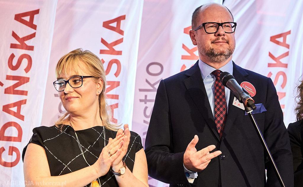 Magdalena Adamowicz i prezydent Paweł Adamowicz w sztabie wyborczym, po pierwszej turze. Gdańsk, 21 października 2018