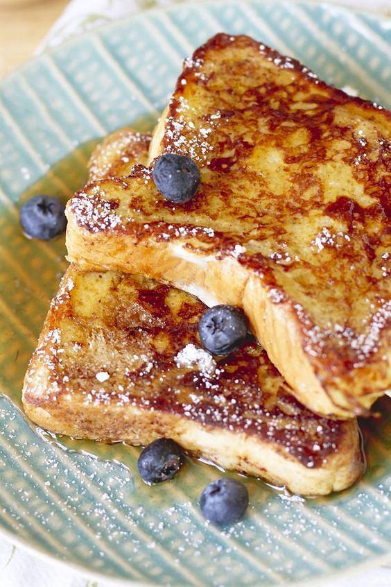 Francuski tost jest bardzo prosty w przygotowaniu.