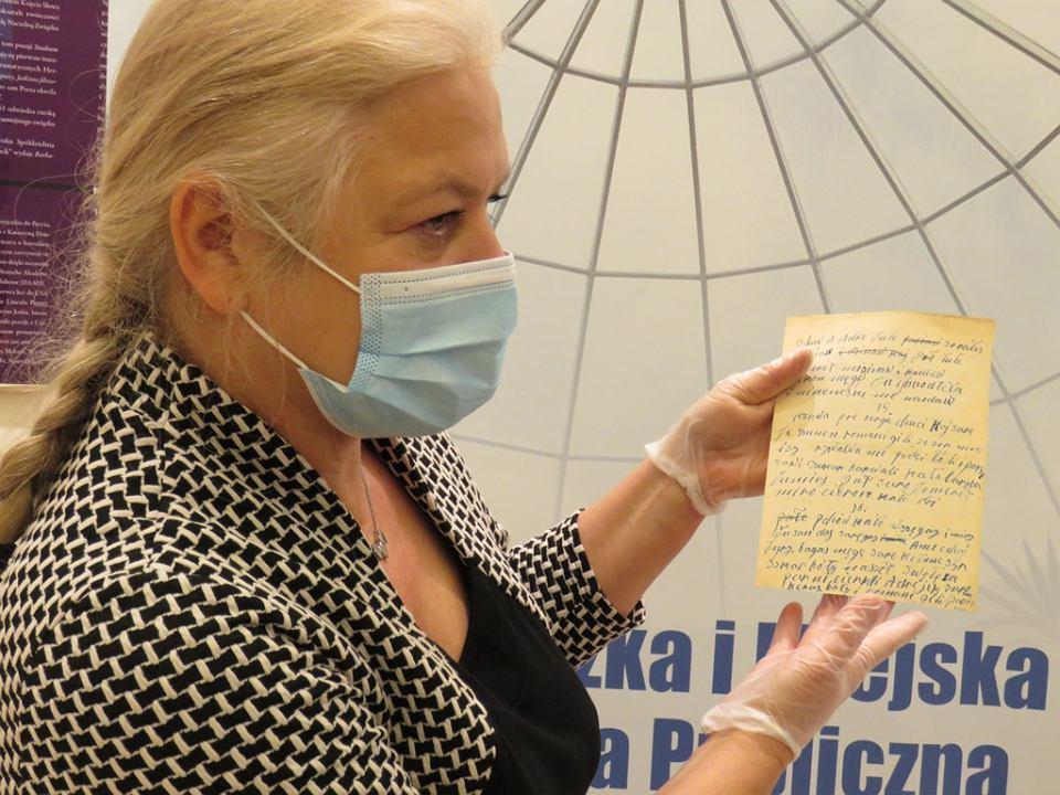 Przekazanie rękopisów Papuszy do Biblioteki Herberta w Gorzowie