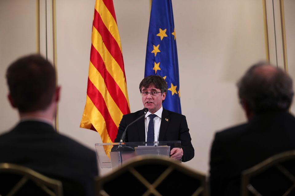 Były premier katalońskiego rządu Carles Puigdemont podczas konferencji prasowej w Brukseli, 18 lutego 2019 r.