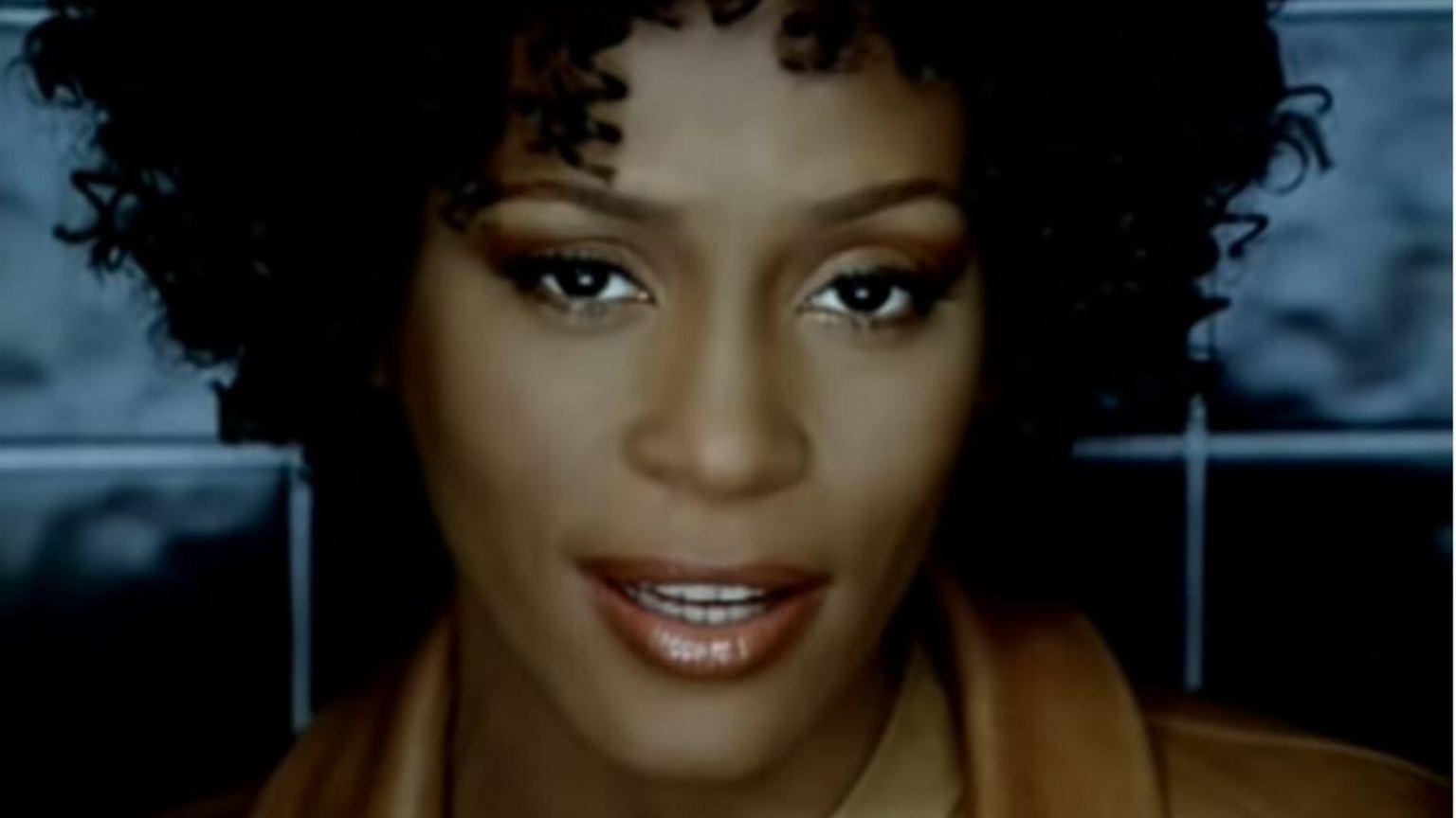 Whitney Houston była wrakiem człowieka. Wyciekł raport z sekcji zwłok gwiazdy. Narkotyki ją zniszczyły