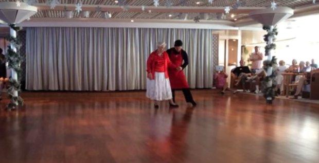 Mama Lee tańczy/ Fot. printscreen youtube
