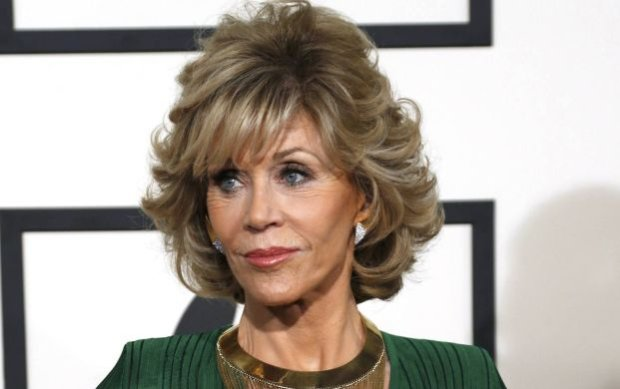 Actress Jane Fonda arrives at the 57th annual Grammy Awards in Los Angeles, California February 8, 2015.  REUTERS/Mario Anzuoni  (UNITED STATES - TAGS: ENTERTAINMENT) (GRAMMYS-ARRIVALS)