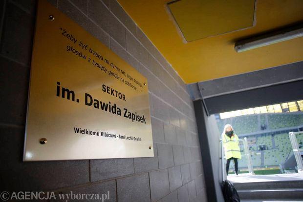 14.04.2013 Gdansk . PGE Arena w Gdansku , uroczystosc nadania jednej z trybun  imienia Dwida Zapiska . fot. Lukasz Glowala / Agencj Gazeta  SLOWA KLUCZOWE: manual