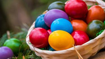 Jajeczny poradnik. Jak się obchodzić z jajkami na Wielkanoc?