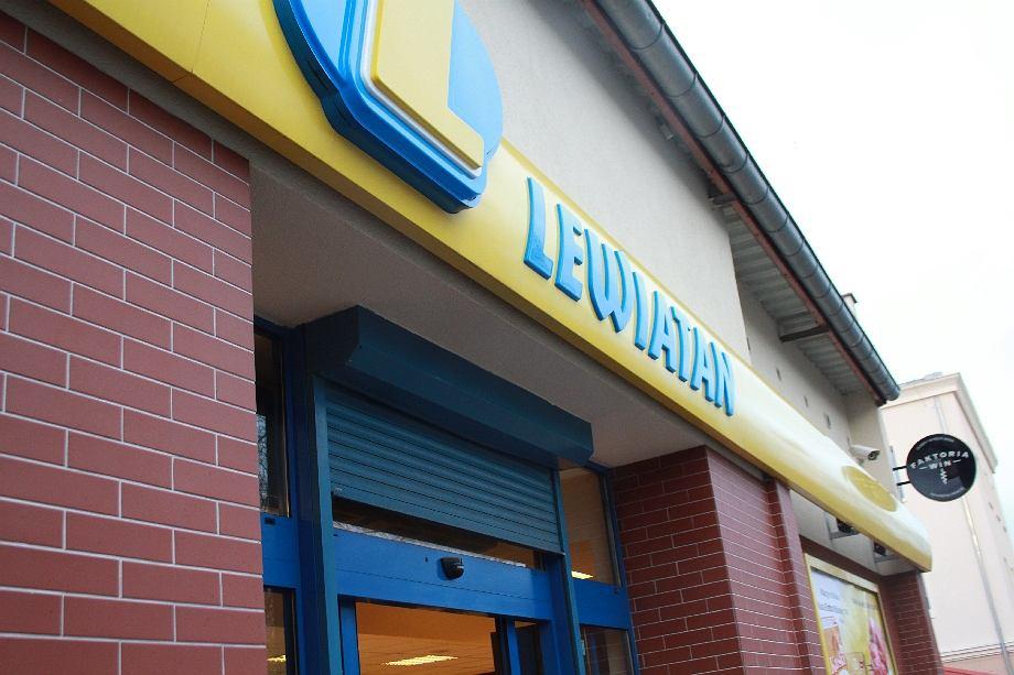 Lewiatan, handel
