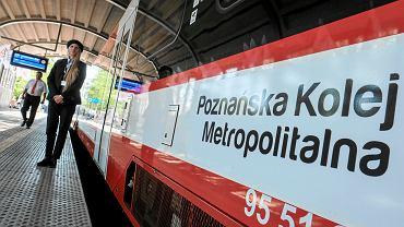 Pociąg w barwach Poznańskiej Kolei Metropolitalnej