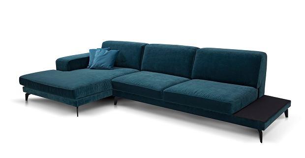 Welurowy narożnik to sofa dla miłośników wnętrzarskich trendów