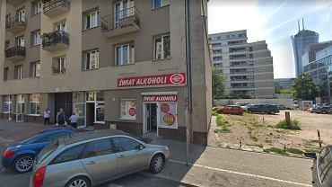 Zawalił się dach w budynku mieszkalnym przy ul. Ogrodowej 55 w Warszawie