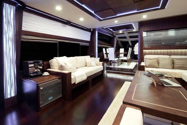 Pod pokładem lepiej niż w domu. Jacht Crystal ze stoczni Galeon, fot. Marcin Biedron