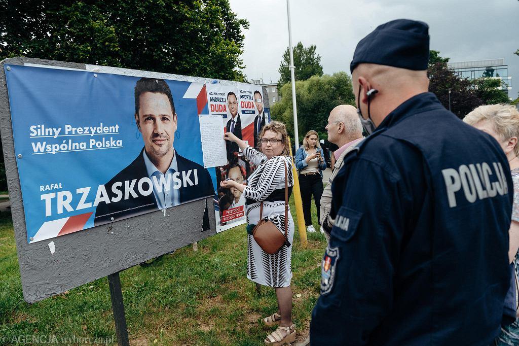 Wybory prezydenckie 2020. Wiec poparcia dla Andrzeja Dudy w Gdyni