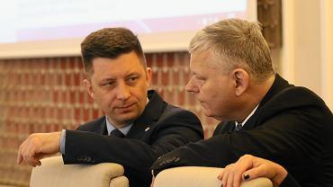 Michał Dworczyk i Marek Suski na posiedzeniu rządu 12.02.2019