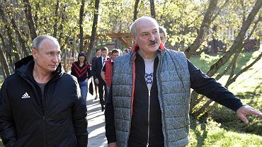 Prezydenci Rosji i Ukrainy - Aleksander Łukaszenko i Władimir Putin - podczas spotkania na Białorusi, 12 października 2018 r.
