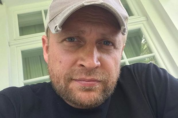 """Piotr Adamczyk zagrał we włoskim serialu """"Imię róży"""". Wkrótce premiera"""