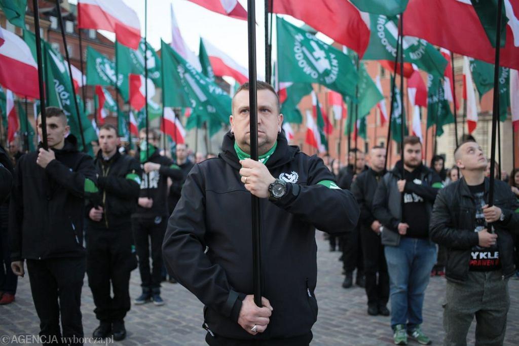 Marsz ONR w Warszawie (Fot. Agata Grzybowska / Agencja Gazeta)